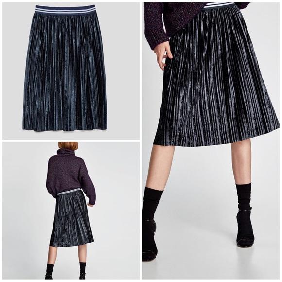 affada45fc Zara Pleated Velvet Sport Bands Midi Skirt S. M_5b0f71acc9fcdfd4855992d5